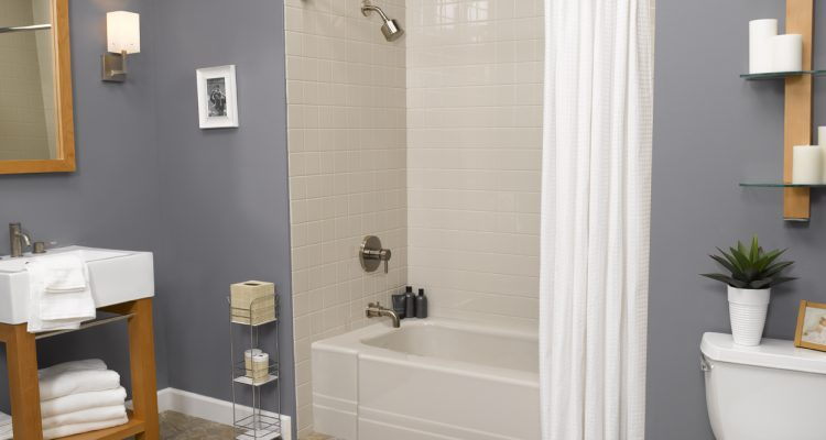 Cedar Rapids - Bath Liners -Gray_Pia_Bath_with_Gray_4x4_Walls_Brushed_Nickel_LR_bci